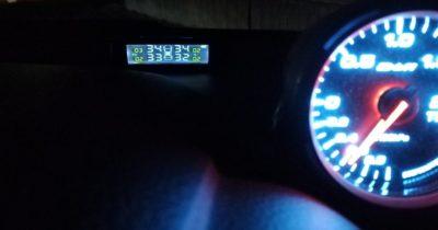 ZEEPIN TPMS タイヤ空気圧モニターC240夜のイメージ