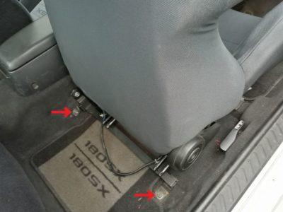 運転席側シート取り外し(リア側)