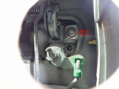 180SX:アウターハンドル取り外し用ネジ位置右側