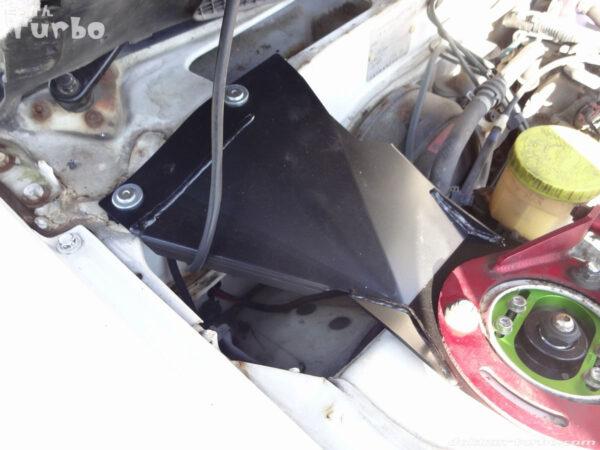 シャキットプレート固定、運転席側